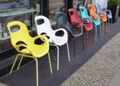Mensen en stoelen